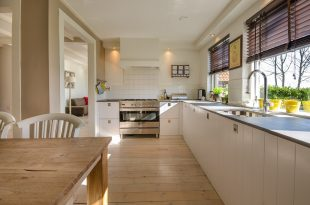How not to panic when renovating an old house?